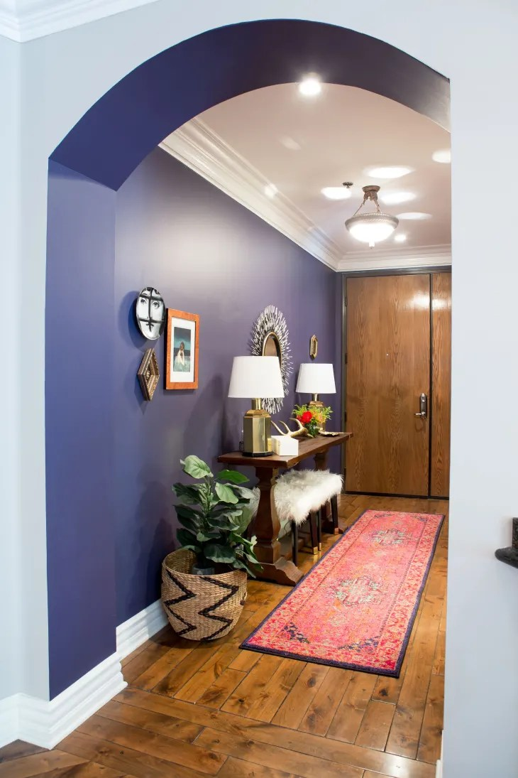 Benjamin Moore Blackberry : benjamin, moore, blackberry, House, Tour:, Colorful, Hollywood, Apartment, Therapy
