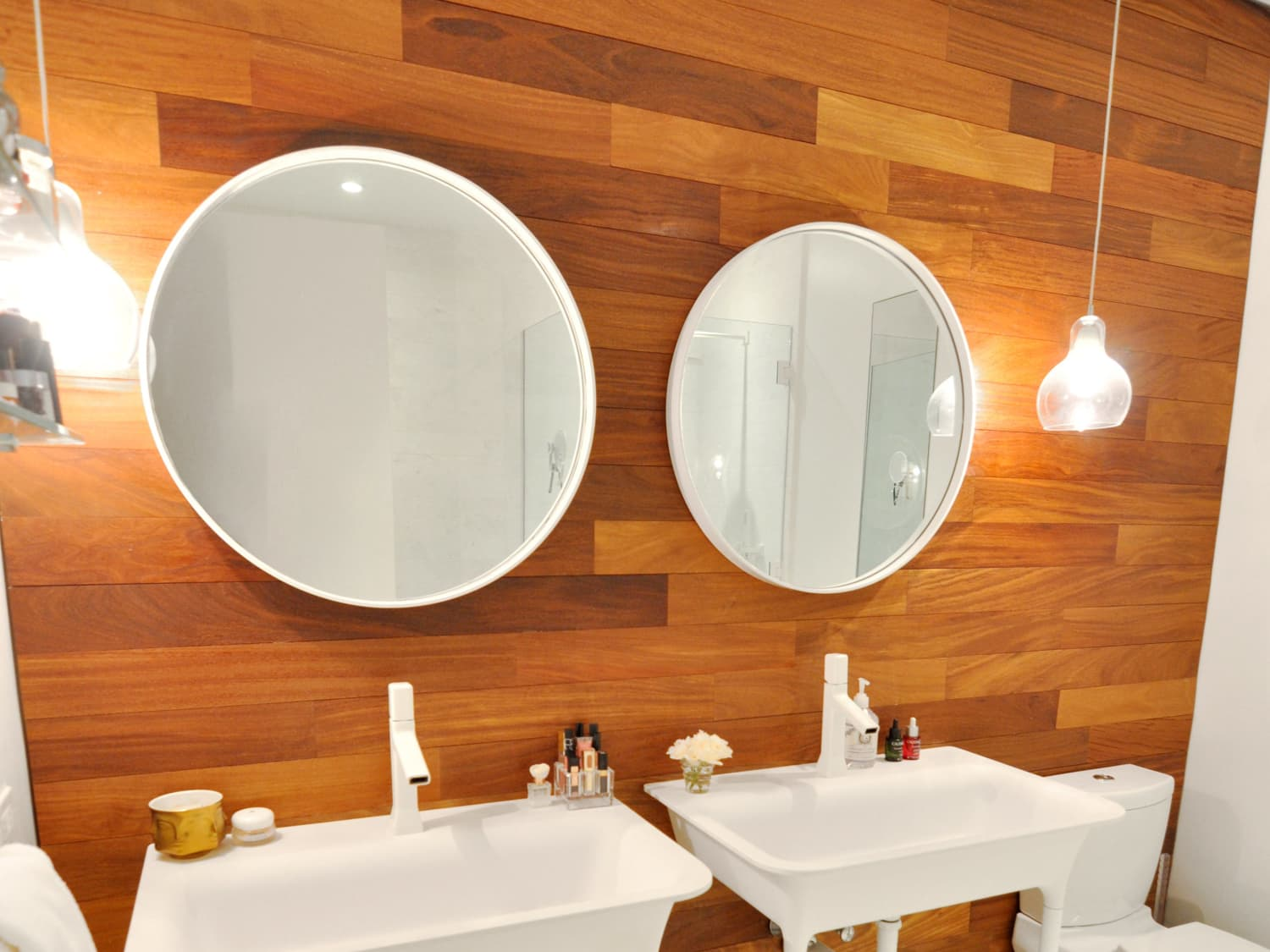 Windowless Bathrooms 9 That Aren T Bad At All And Why Apartment Therapy