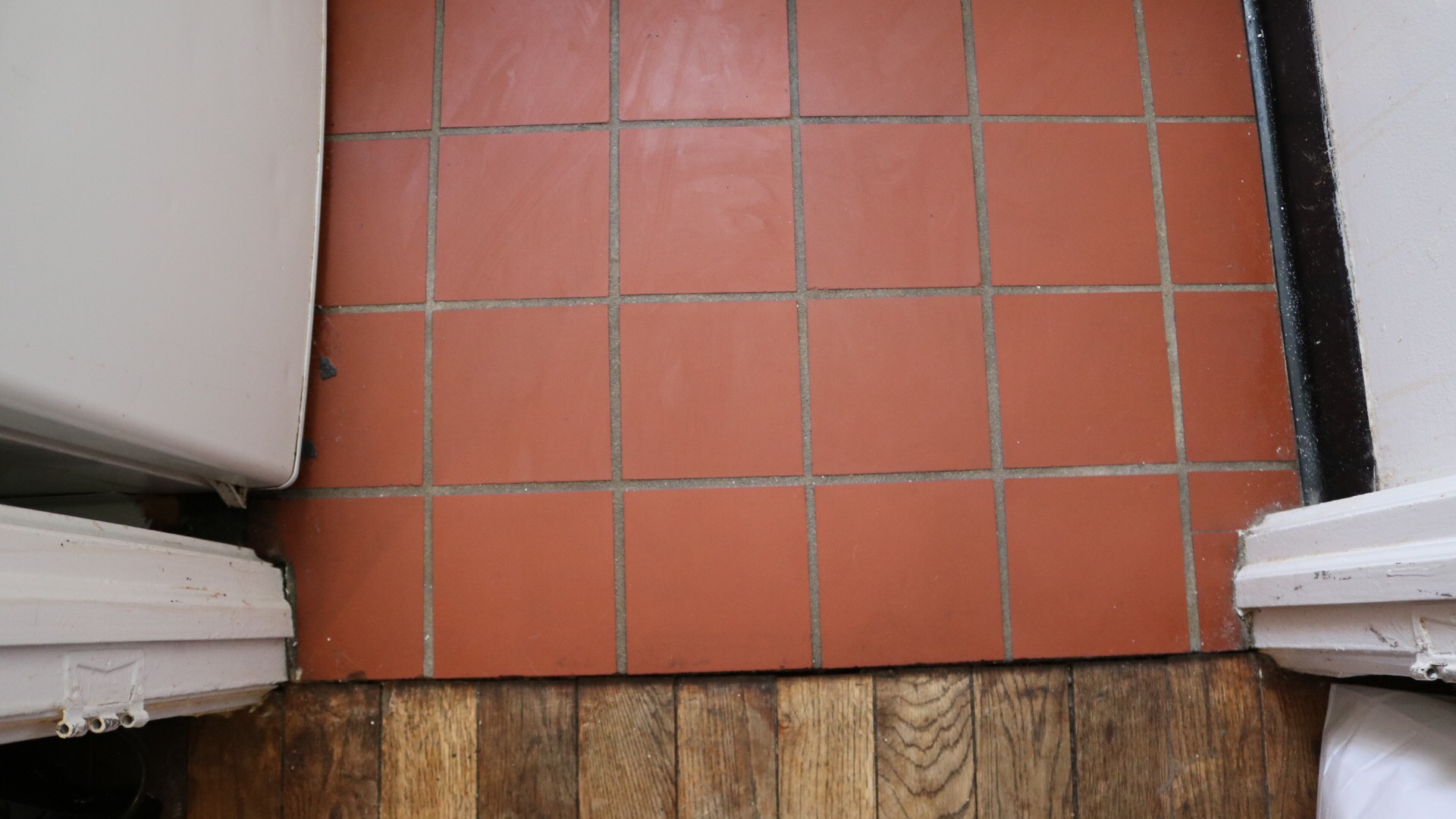 peel and stick tiles a cautionary tale