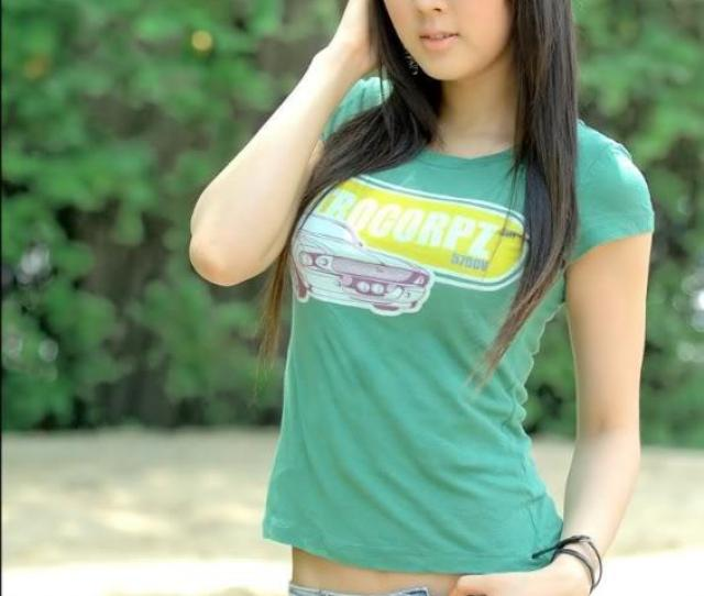 Hot Asian Girls Wallpaper