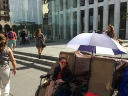 Queue-iPhone-6-Apple-Store-5e-Avenue-3