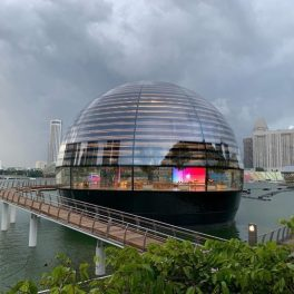 Apple-Store-Marina-Bay-Sands-Eau-Exterieur-739x554