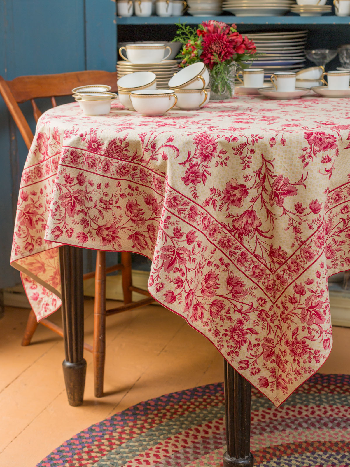 Grandmothers Room Tablecloth  Linens  Kitchen