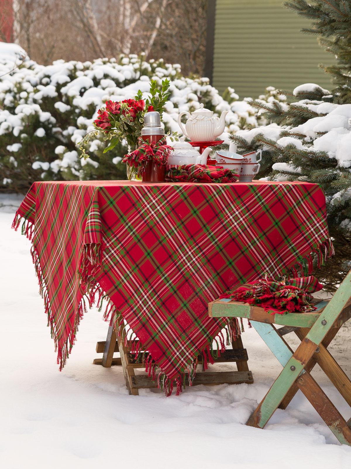Chickadee Tablecloth  Linens  Kitchen Tablecloths