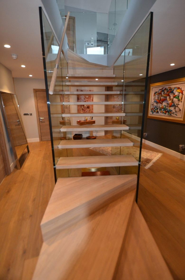 A Stair In The Middle Of The Room Siller Stairs   Carpet Up Middle Of Stairs