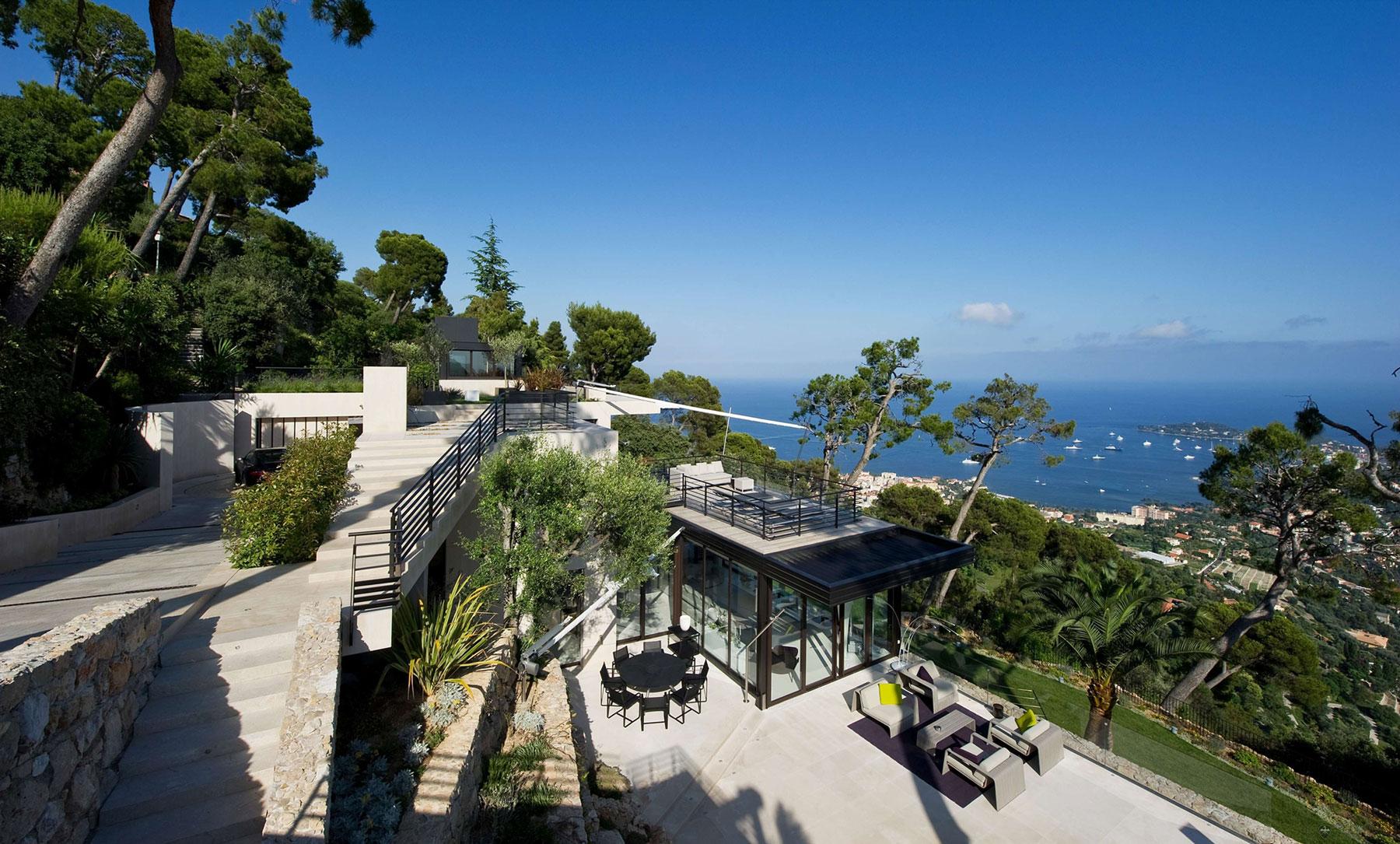Bayview Villa in VillefranchesurMer Cte dAzur  Architecture  Design