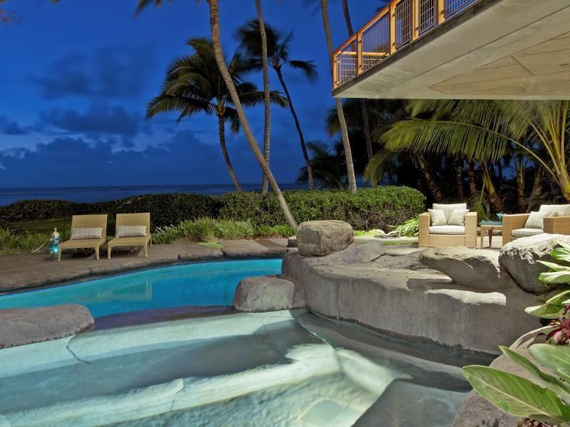 Magnificent North Shore Beachfront Home  Architecture