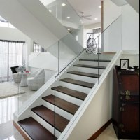 20 Glass Staircase Wall Designs With A Graceful Impact On ...