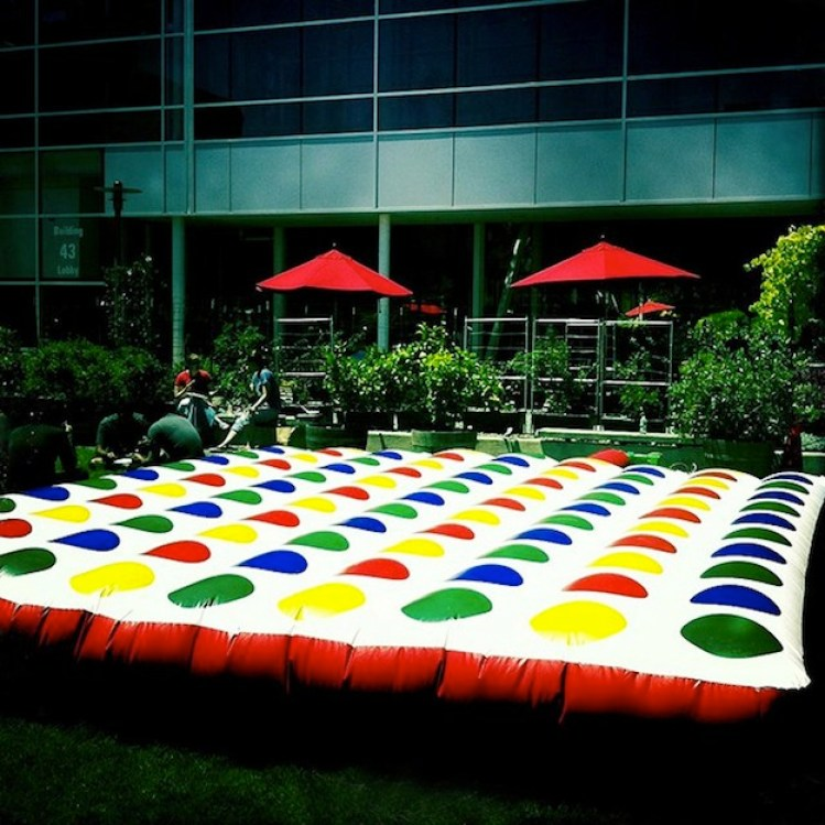 18-Inflatable-Outdoor-Twister