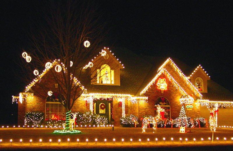 25 Mesmerizing Outdoor Christmas Lighting Ideas Architecture