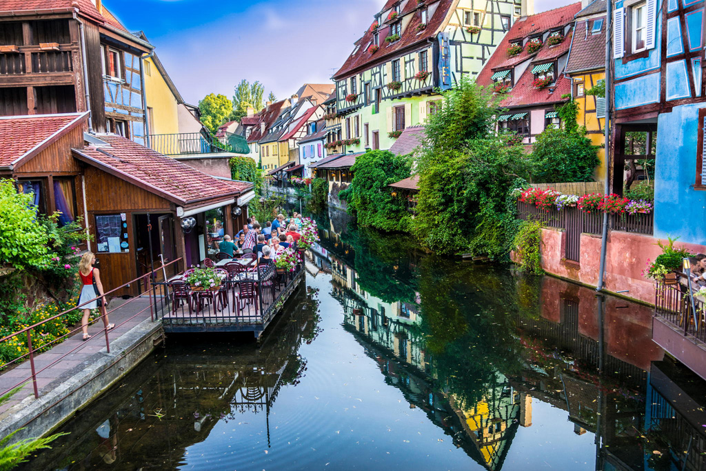 25 Of The Most Picturesque Small Towns From Around The