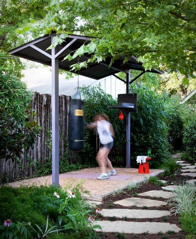 30 Of The Best Backyard Hangout Spots In The World