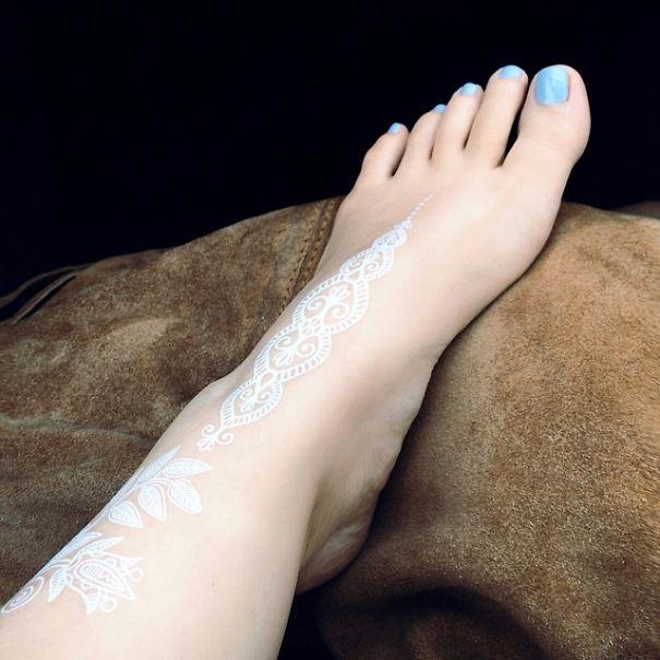 30 Stunning White HennaInspired Tattoos That Look Like