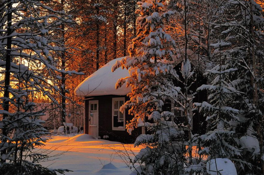 Falling Snow Live Wallpaper For Pc 70 Lonely Little Houses Lost In Majestic Winter Scenery
