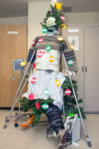 25+ Hospital Christmas Decorations That Show Medical Staff