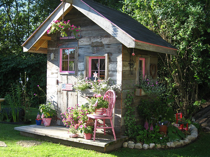 Women Are Creating She Sheds A Female Alternative To Man Caves 55 Pics