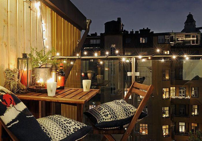 AD-Cozy-Balcony-Decorating-Ideas-38
