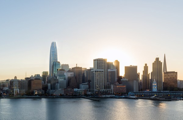 San Francisco Skyline-topping Tower Opens