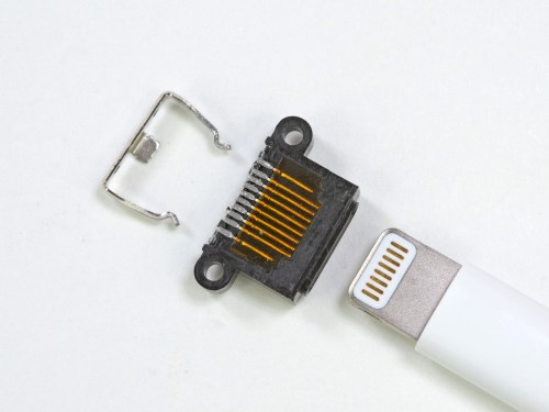 small resolution of enlarge the iphone 5 s lightning connector disassembled note two