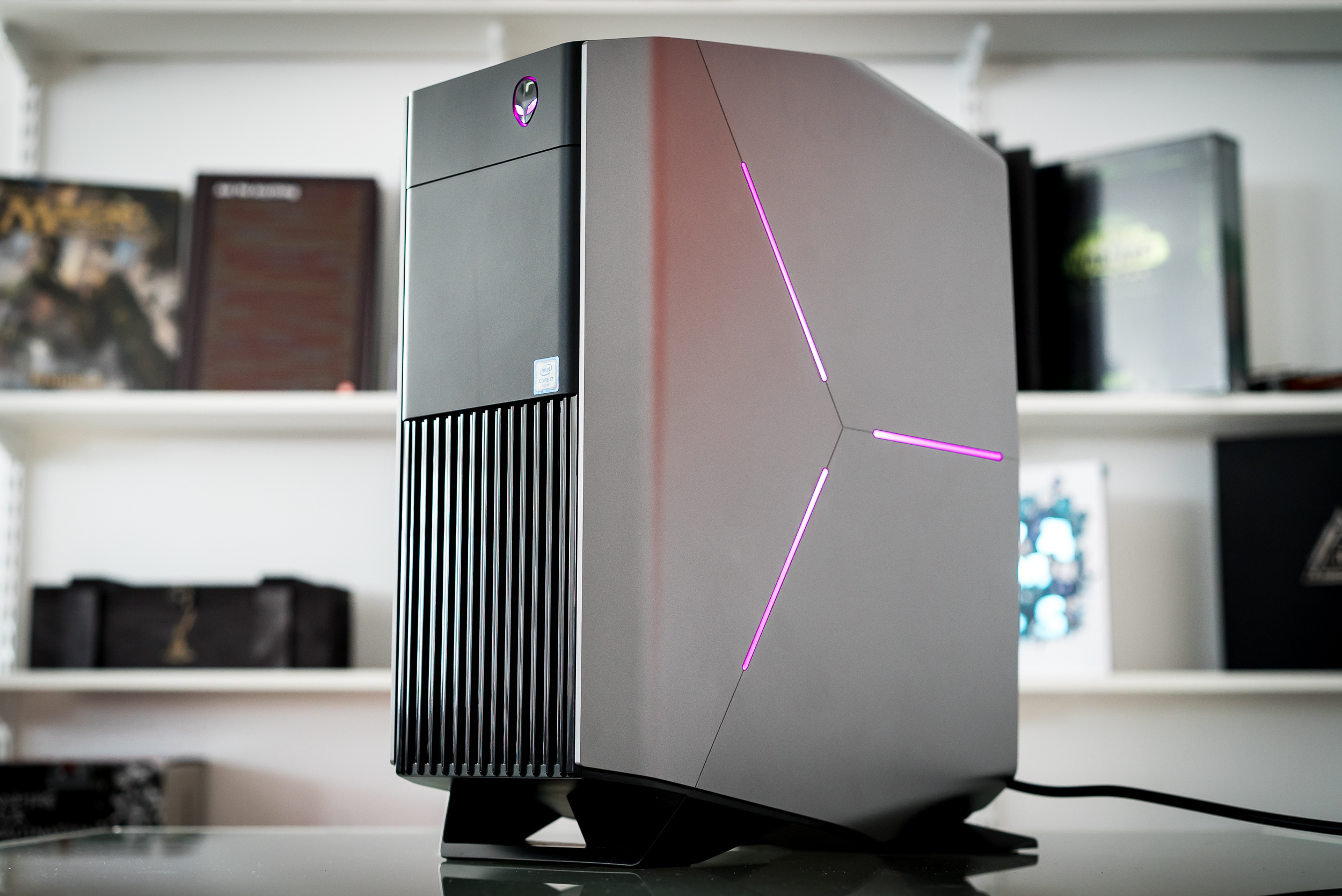 living room friendly pc case modern chairs review alienware aurora proves not all prebuilt gaming pcs are awful