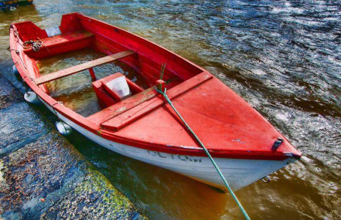 leaky-boat-800x516.jpg