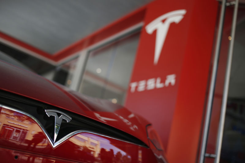 Tesla replaces Elon Musk as chair—he'll stay CEO