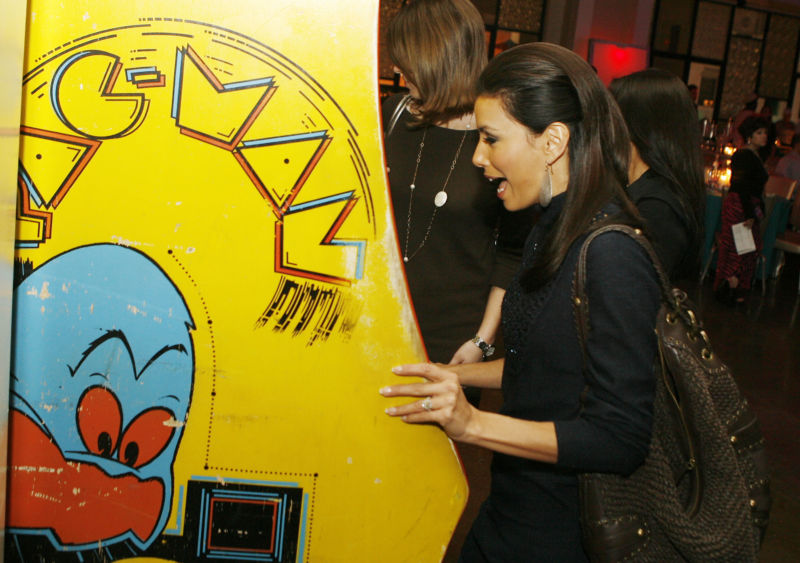 "Actress Eva Longoria shows off the standard ""left side"" cabinet grip in a 2007 photo."