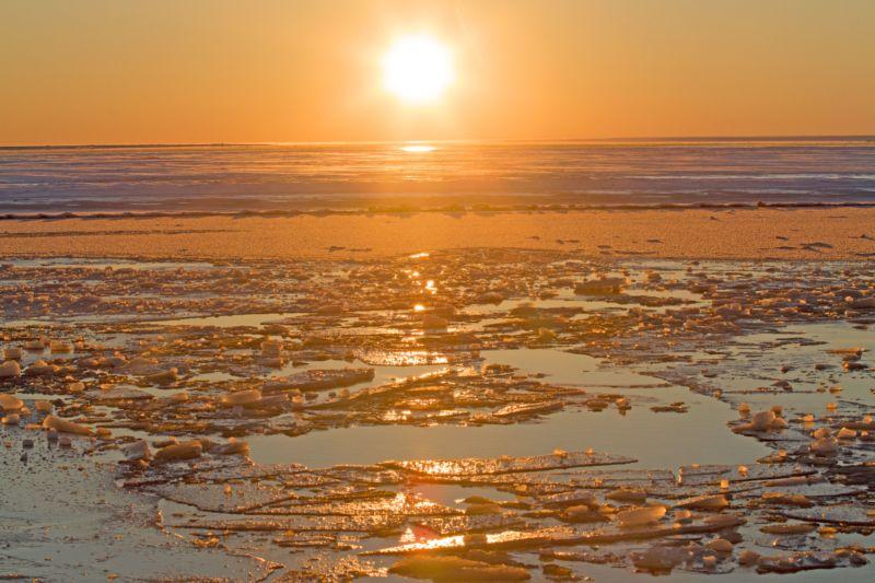 Horizon over sea ice in the Arctic.