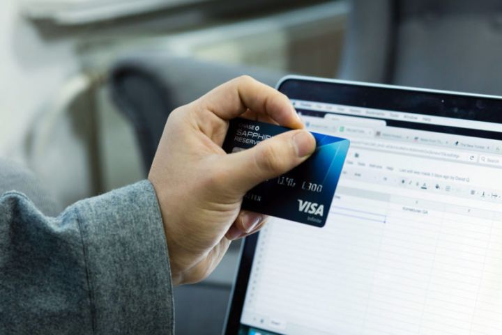 Scammers try a new way to steal online shoppers' payment-card data