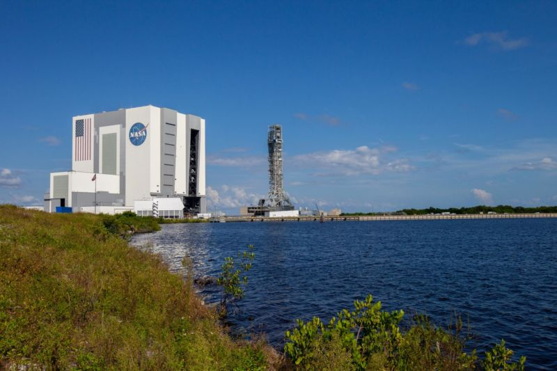If you want to buy a commercial SLS launch, you also need to rent the mobile launcher from NASA.