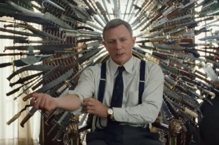 Daniel Craig sports a Southern accent and plenty of panache as Det. Benoit Blanc in <em>Knives Out</em>.