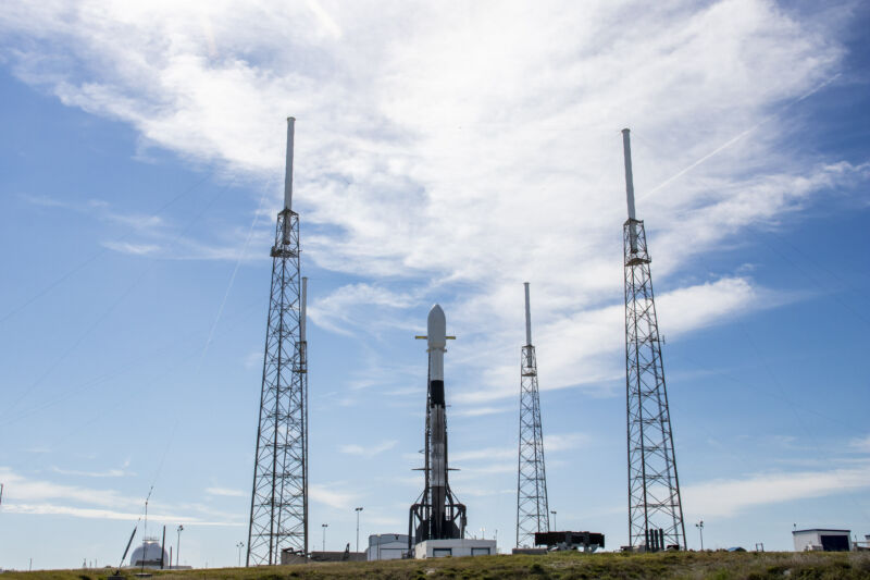 Starlink-3 mission on the pad, ready for launch.