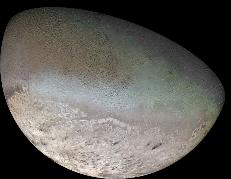 Global color mosaic of Triton, taken in 1989 by Voyager 2 during its flyby of the Neptune system.