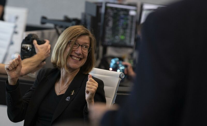 NASA's Kathy Lueders celebrates Crew Dragon's hatch opening on May 31.