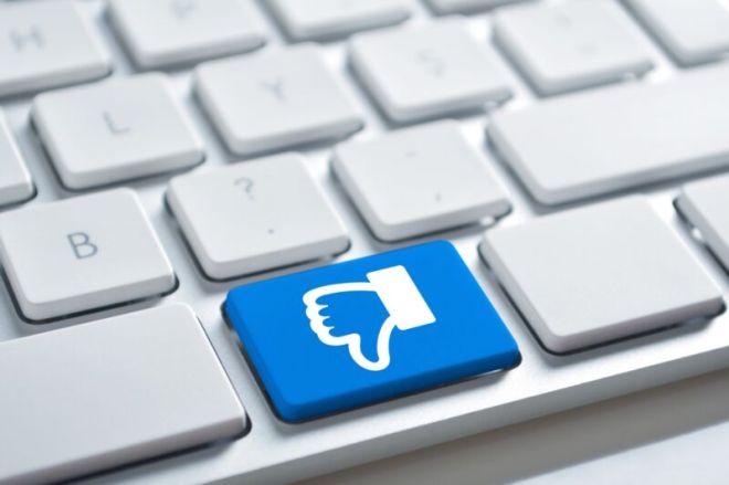 getty-keyboard-thumb-down-800x532 Big Tech sues Florida, saying social media law violates First Amendment   Ars Technical