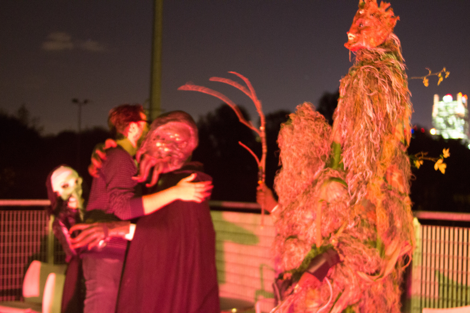 That's me, hugging a shogghastat the end of the evening.