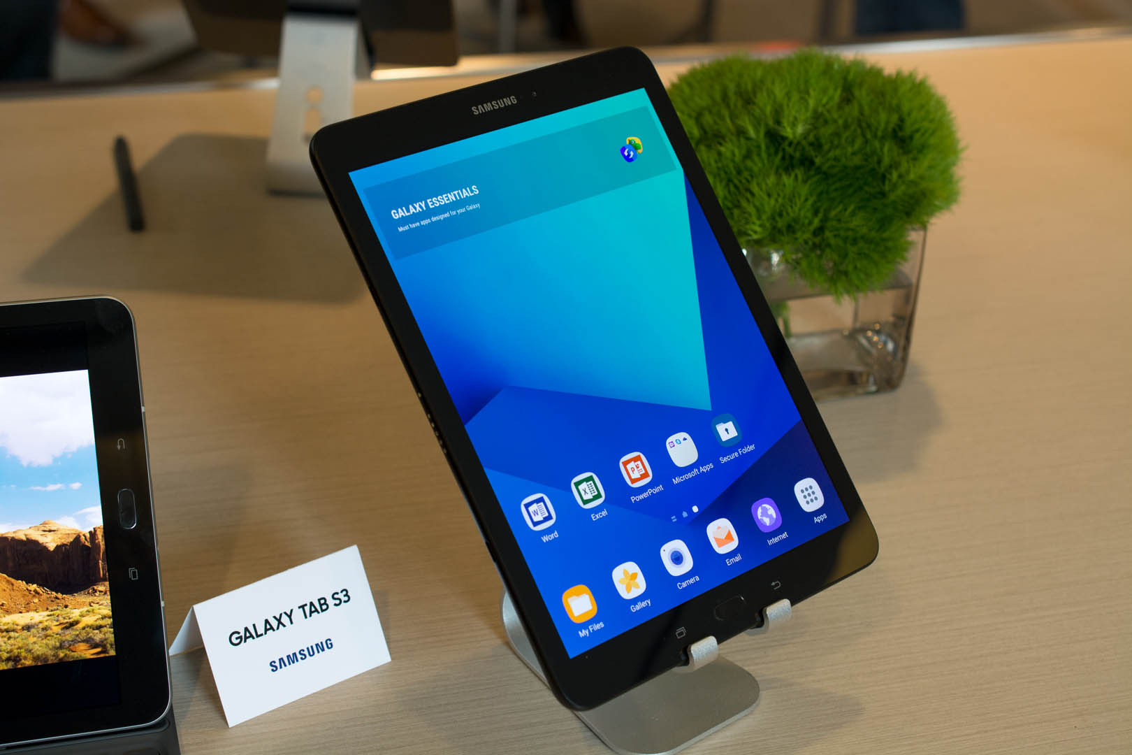 Samsung Tab S3 and Galaxy Book A love letter to tablets