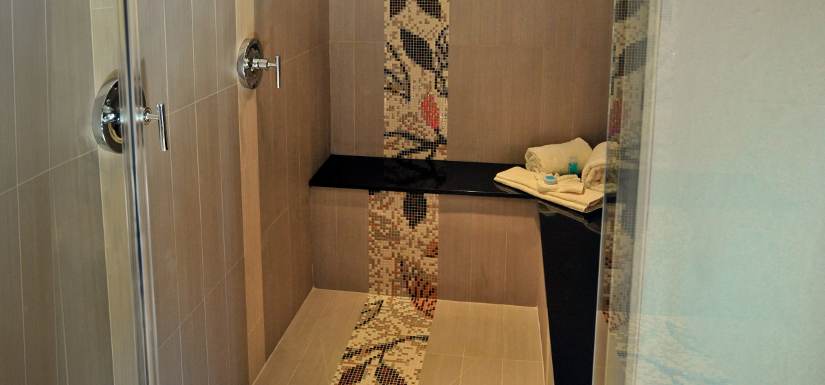 Tropicana Cielo Suites Floral Bathroom Mosaic Border  ARTAIC