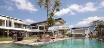 large luxury villas stay