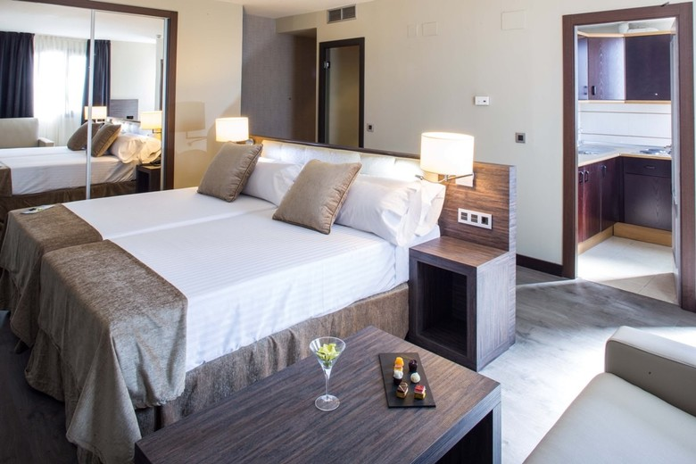 Hotel Sercotel Gran Luna Granada  Atrapalocom