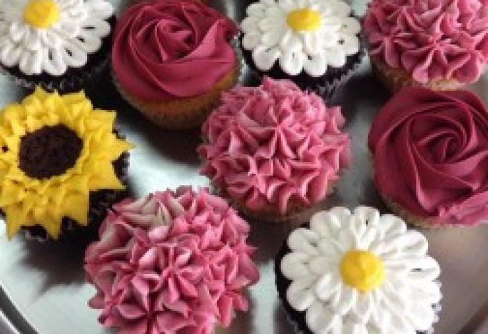 Dozen Flower Cupcakes Sweet Blossoms In Jamestown Nc Blossoms