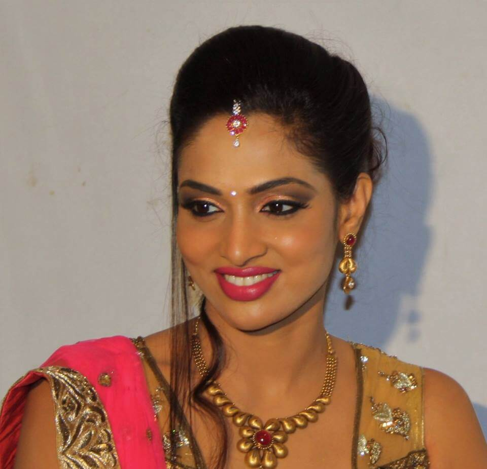 12 Best Makeup Artists In Bangalore To Look Fabulous On