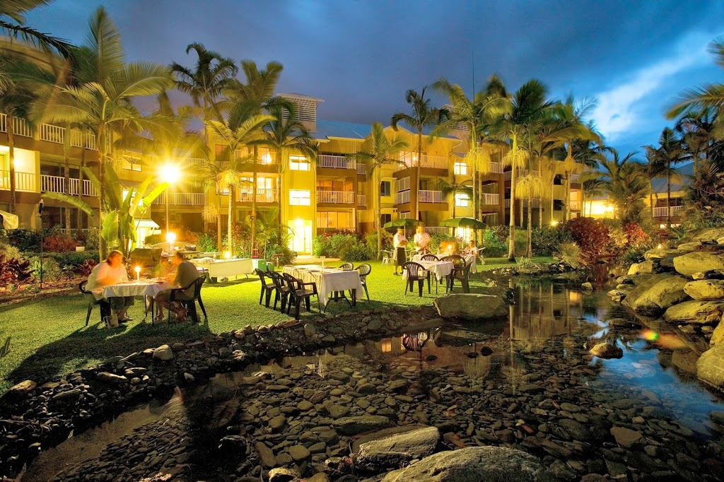 Coral Sands Beachfront Resort Lodging Trinity Beach Rd