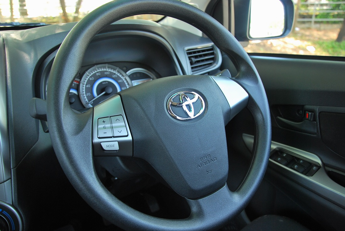 interior grand new avanza 2018 type g toyota 1 5s test drive review autoworld com my steering wheel