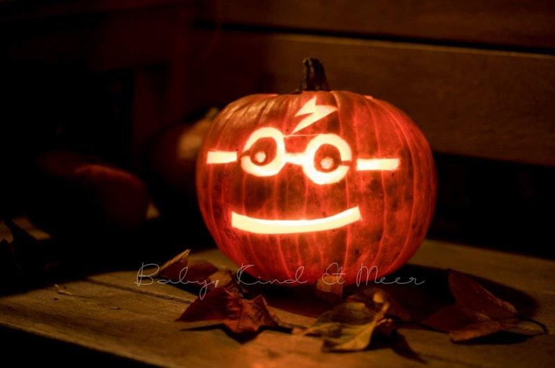 Kürbis schnitzen zu Halloween - Kinderleichte Anleitung