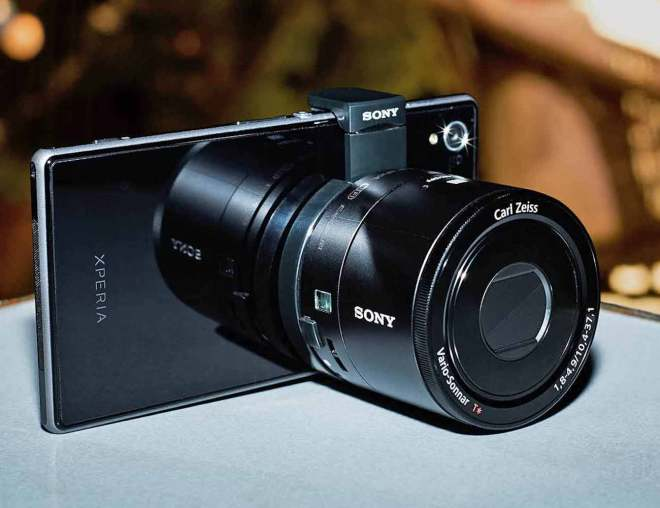 Sony Introduces First Ever Portable Zoom Lens For Smartphones