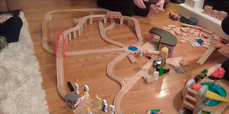 5 Best Wooden Train Sets Reviews Of 2019