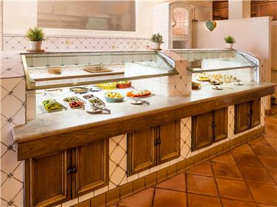 hotels with kitchen in los angeles tables for small spaces millennium biltmore hotel area united states booking