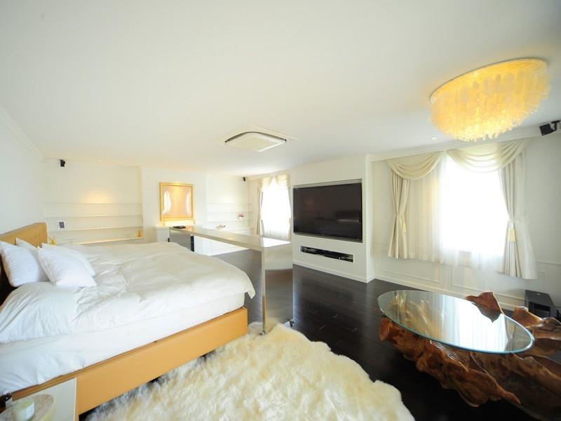Japanese Apartment Interior Design