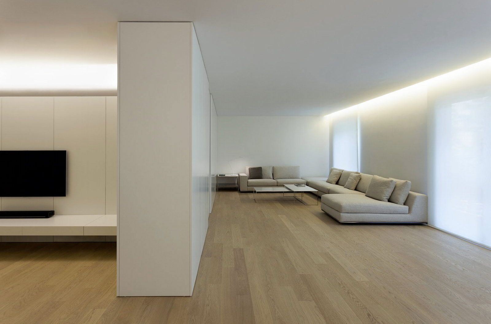 Contemporarily Designed Apartment In Valncia By Fran